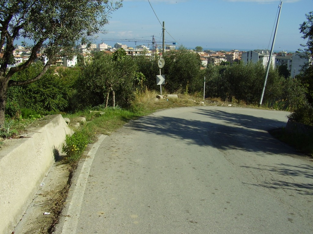 Via-Vascello-a-Tortoreto-Alto