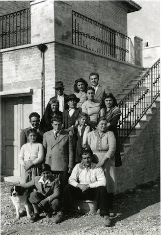 Proprietari e coloni_Maurizio De Berardinis e la famiglia Pompetti, anni  50 del Novecento