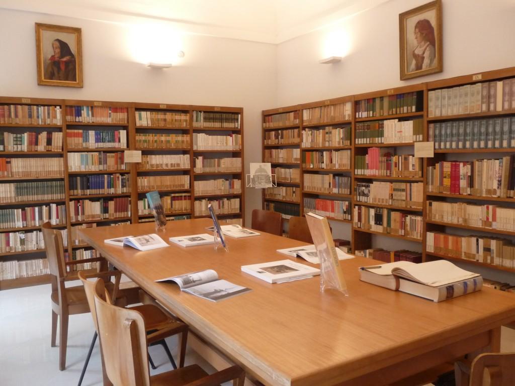 Biblioteca Bindi. Interno 1