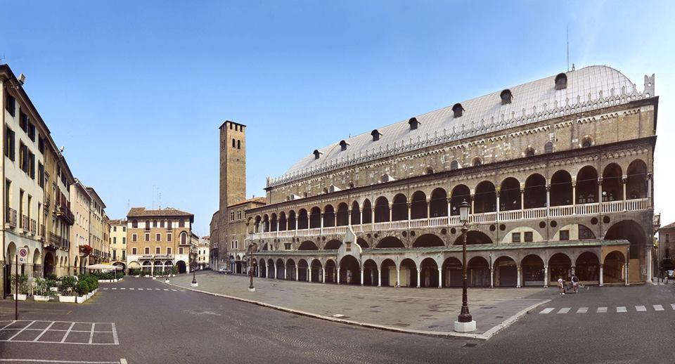 Piazza dei Signori, a Padova
