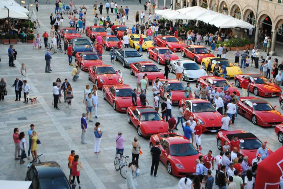 Ascoli 2014 Raduno Ferrari , foto Walter De Berardinis