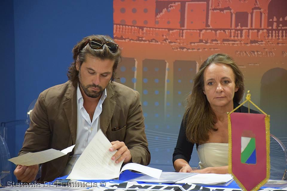 Da sx, Il Consigliere Regionale Pierpaolo Pietrucci, Presidente della II Commissione Territorio, Turismo e Ambiente e la dott.ssa Giusy Branella. Foto Di Stefania De Dominicis