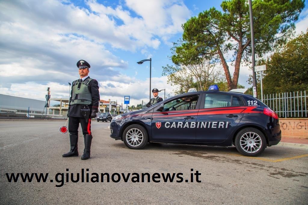 Giulianova. Scoperta una casa d'appuntamento vicino alla caserma dei Carabinieri.
