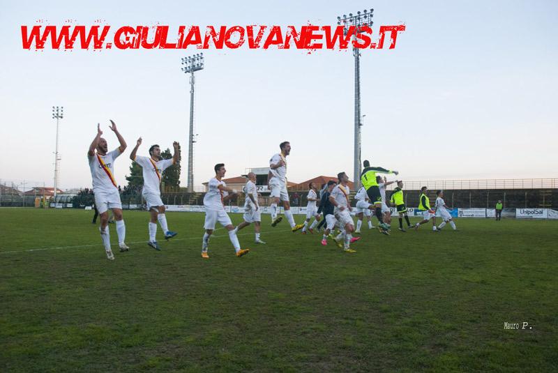 Giulianova. Calcio: Giulianova-Torrese 2-0, foto di Mauro Piunti
