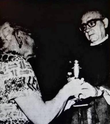 Padre Tosello con la madre