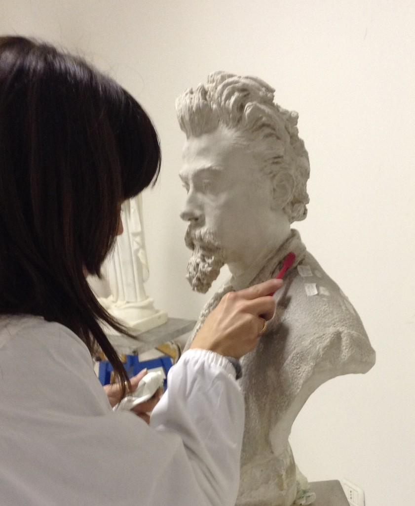 """Giulianova. Pagliaccetti torna a casa. Il 21 aprile in Sala """"Buozzi"""" la presentazione del busto """"Autoritratto"""" restaurato."""