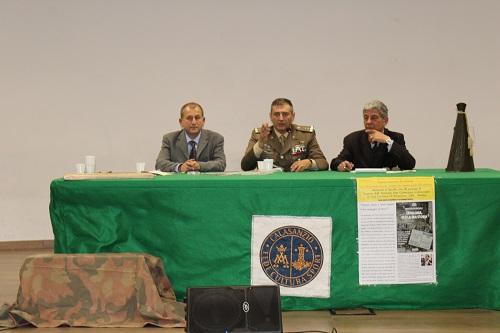 Vincenzo Di Michele, Antonio Vittiglio, Generale della Divisione Acqui, e Renzo Santinon, preside dell'Istituto Calasanzio.