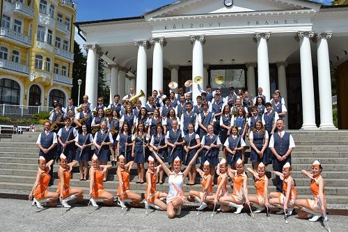 BRASS BAND JESENÍK + MAJORETTES CRAZY GIRLS