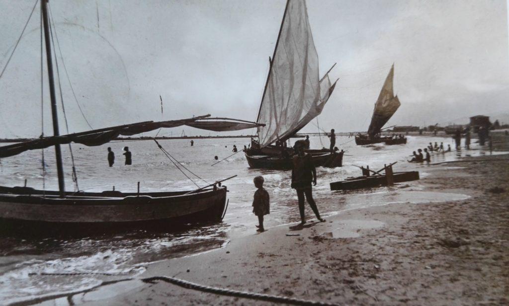 Giulianova. Ferragosto giuliese all'insegna della memoria storica. Torna la manifestazione dimostrativa di pesca con il sistema tratta a mano (Sciabica da spiaggia)