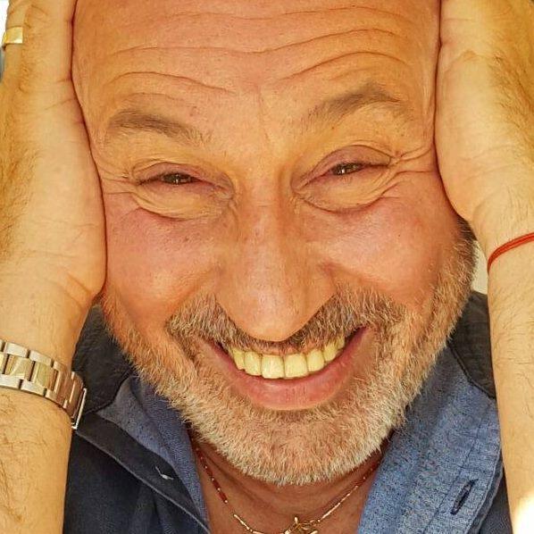 Pescara. Maurizio Battista torna in Abruzzo con un nuovo spettacolo esilarante
