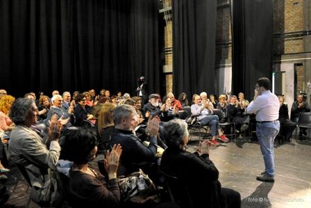 """Teramo. Lectus, Vox Populi. Libri in scena al Teatro Comunale  Uditori protagonisti sul palco insieme ad attori e registi, una serata """"memorabile"""""""
