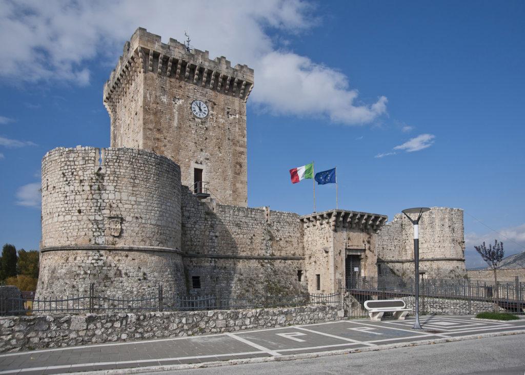 """GIORNATE NAZIONALI DEI CASTELLI. Sezione Abruzzo- 20 maggio 2018  """" L'ALVEO DEL FUCINO E I SUOI CASTELLI"""""""