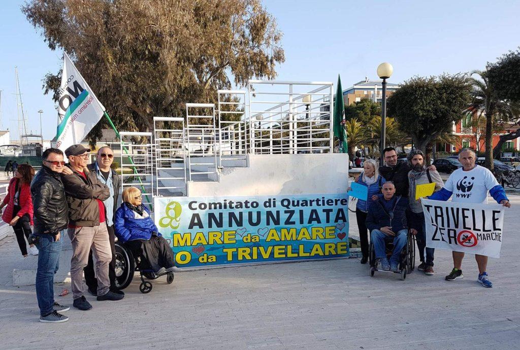 """Giulianova. """"Un grande successo il flash-mob contro le trivellazioni in mare organizzato dal Comitato di Quartiere Annunziata"""""""