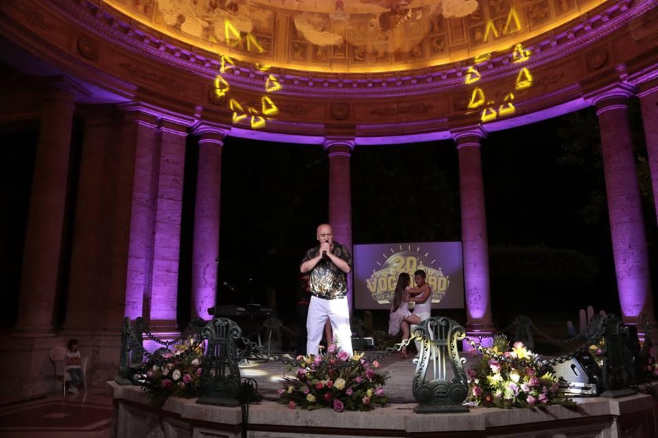 Giulianova. Il cantante abruzzese Francis Salina scala le classifiche della musica indipendente