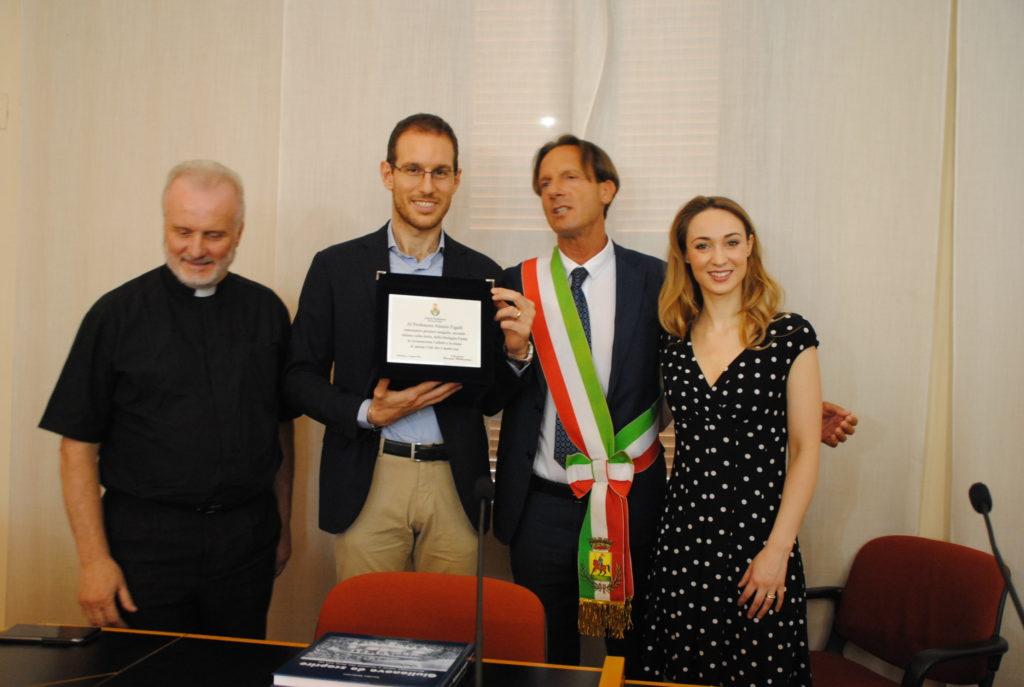 """Giulianova. Al """"nobel"""" per la matematica Alessio Figalli il riconoscimento del sindaco di Giulianova che preannuncia la cittadinanza onoraria."""