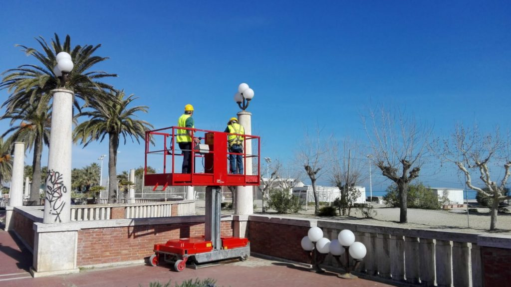 Giulianova. Iniziate le operazioni sui tripodi Lungomare Monumentale
