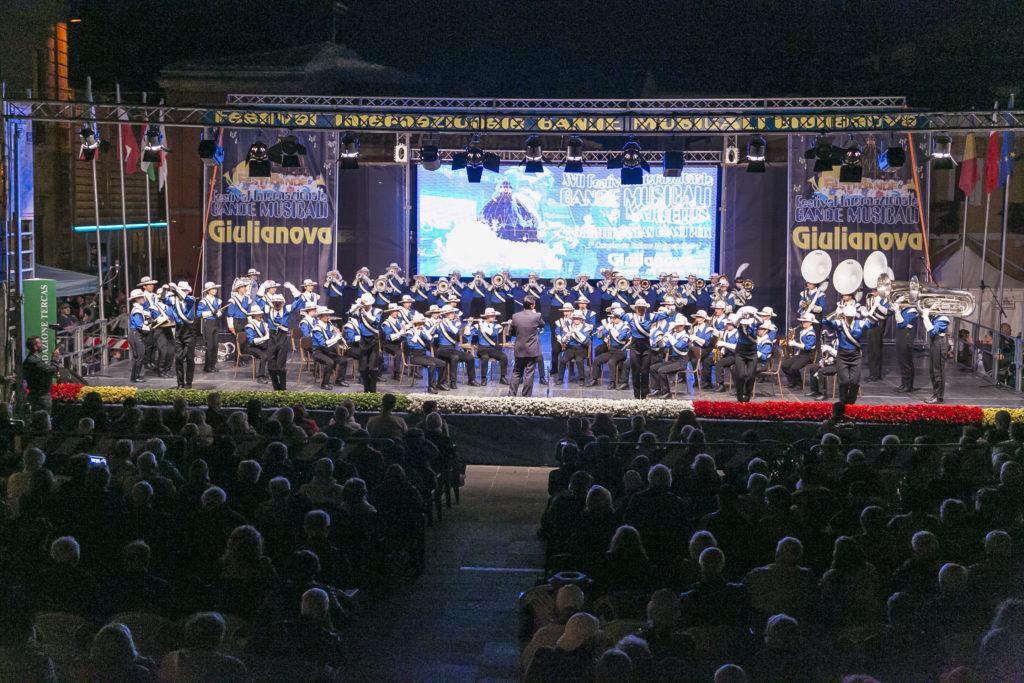Giulianova. Dal 29 maggio al 2 giugno aGiulianova torna l'allegria del Festival Internazionale di Bande Musicali alla sua ventesima edizione.