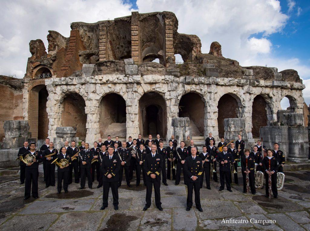 Giulianova. Bande in parata nello Stadio Rubens Fadini. Alle 21.00 in piazza Buozzi concerto della U.S. Naval Forces Europe – Allied Forces Band USA,