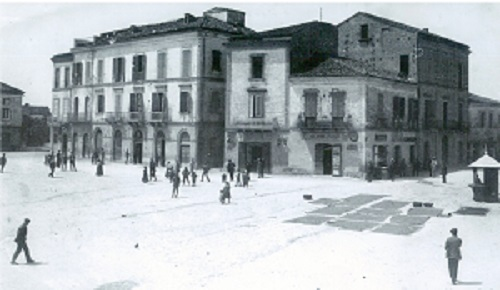 Mosciano Sant'Angelo. Il Tenente della GDF Saulle Angelini ricordato attraverso le foto della sua città