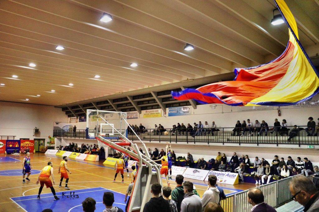"""Giulianova. Basket: SENZA DI TE PARTIREMO DA """"MENO UNO"""". Campagna di sostegno al Giulianova Basket 85"""