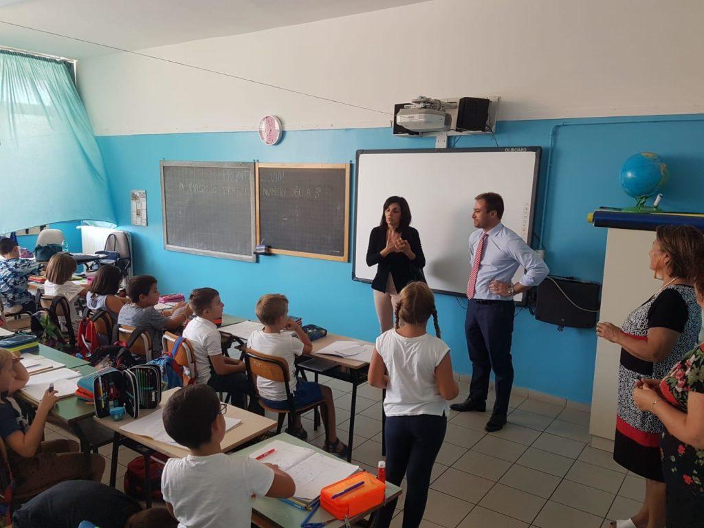 Il Sindaco Costantini e l'Assessore Verdecchia fanno visita ai bambini e agli insegnanti delle scuole comunali per augurare buon anno scolastico