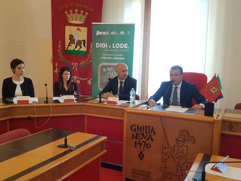 Giulianova. Digi e Lode, il progetto del Gruppo Hera per la digitalizzazione che regala alle scuole di Marche e Abruzzo 25.000 euro