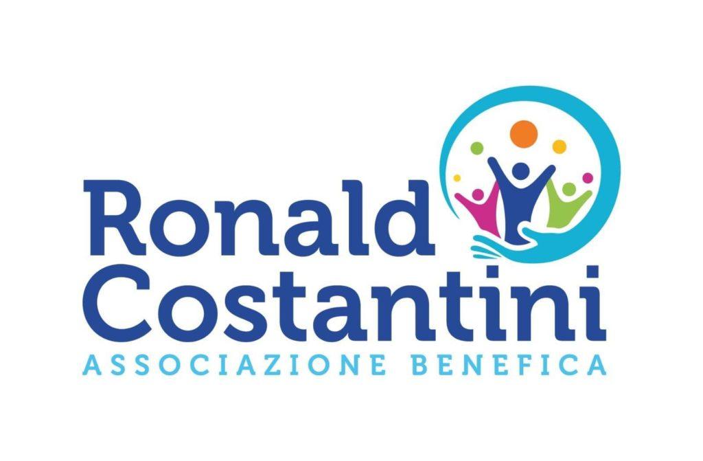 """Giulianova. L'Associazione """"Ronald Costantini"""" dona una somma in denaro al Comune di Giulianova per le famiglie in difficoltà"""