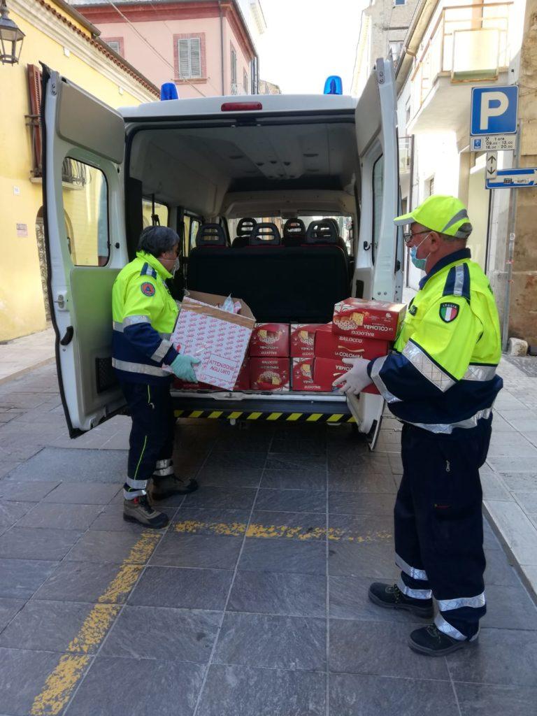 Giulianova. Parte la distribuzione delle mascherine ai 400 beneficiari dei primi due avvisi dei Buoni Spesa attraverso i volontari di Protezione Civile