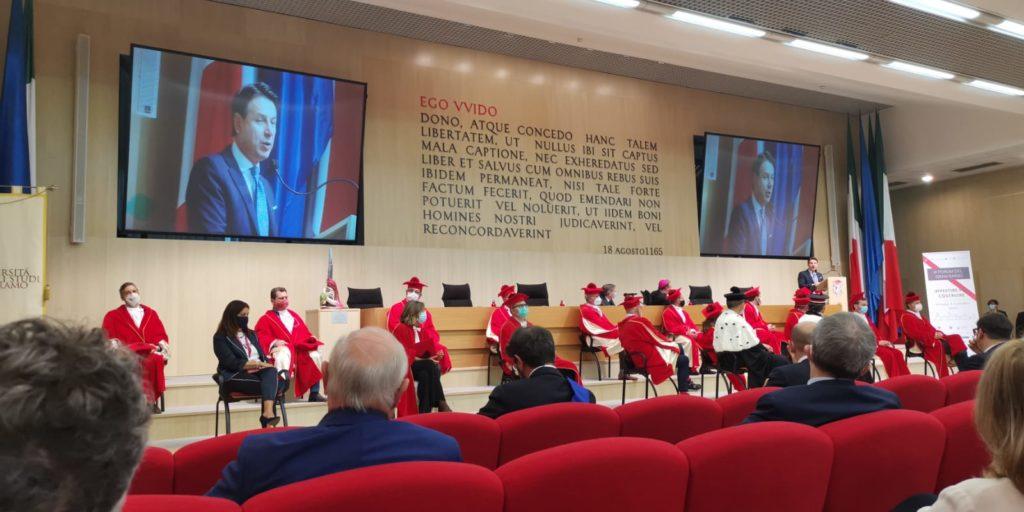 Teramo. III Forum Internazionale del Gran Sasso.  Il Presidente del Consiglio Giuseppe Conte è intervenuto alla cerimonia conclusiva