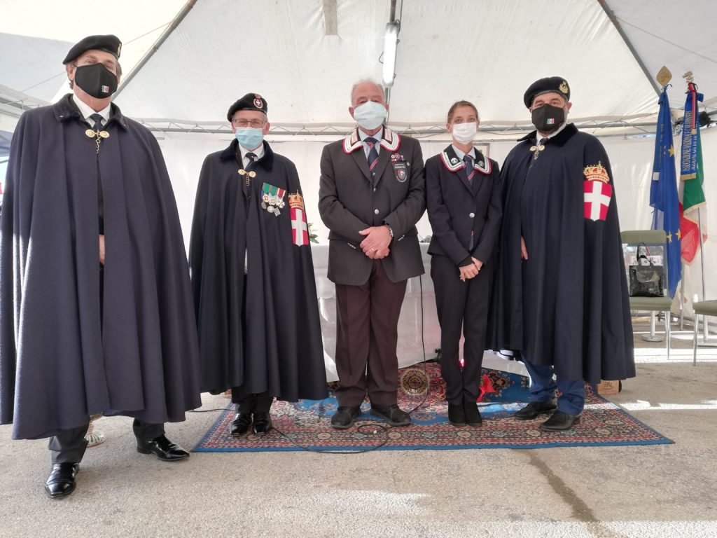 L'Associazione Nazionale Carabinieri di Giulianova ringrazia pubblicamente tutti gli esercizi commerciali