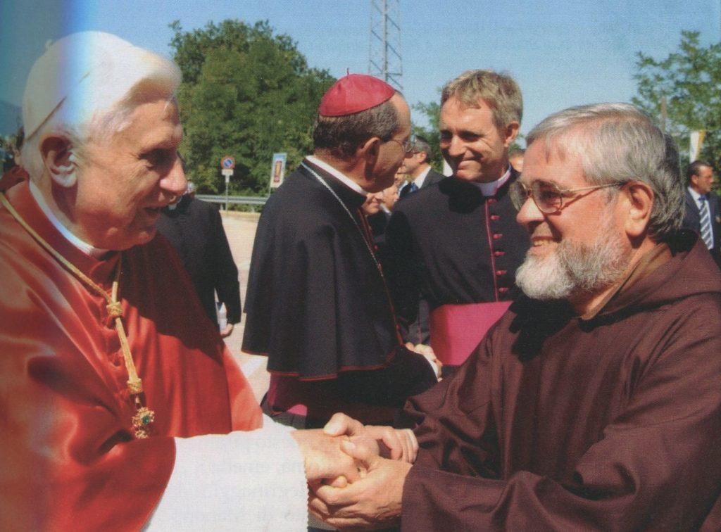 Padre Carmine Cucinelli, IL MISSIONARIO DEL VOLTO SANTO LASCIA MANOPPELLO