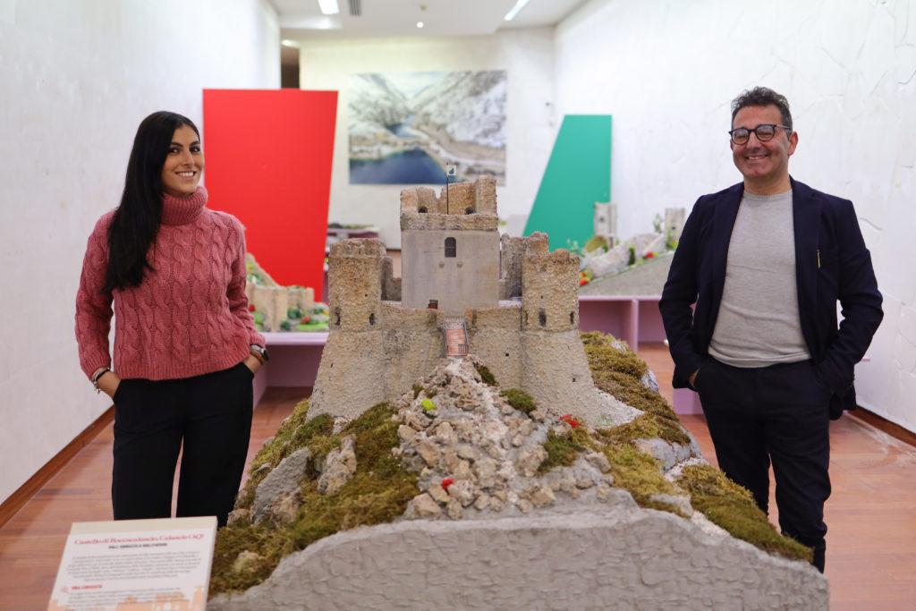 Il mondo affascinato dall'Abruzzo in Miniatura.  Il parco museale presieduto da Livio Bucci varca i confini nazionali
