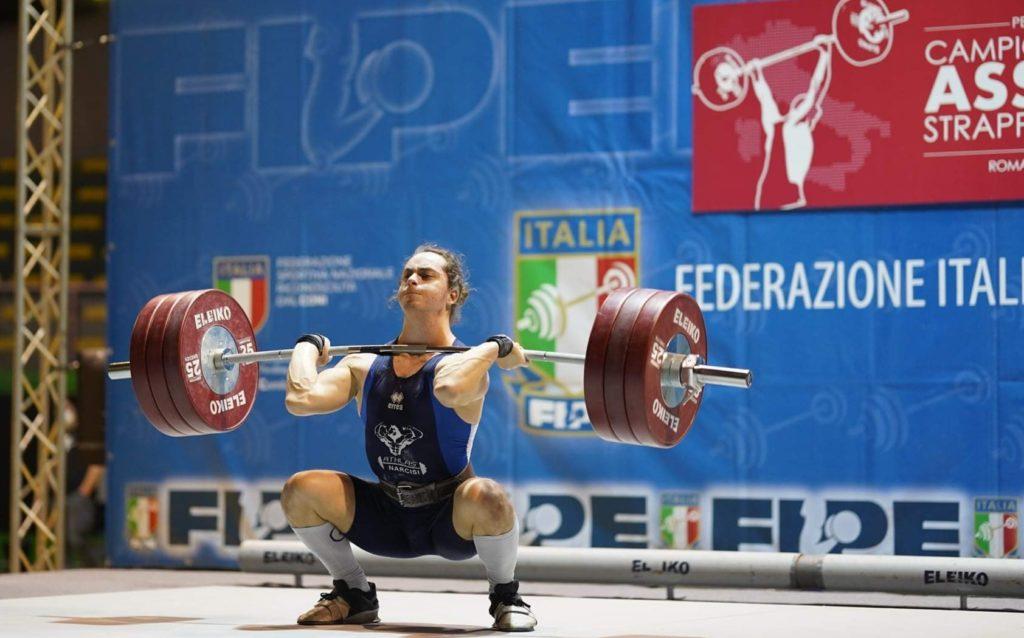 """Giulianova. Il """"nostro"""" Roel Narcisi Campione Italiano Universitario Di Pesistica Olimpica 2021"""