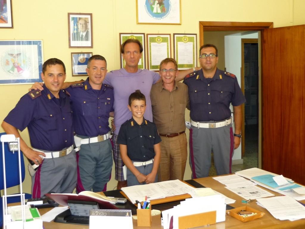 Il Sindaco, Sandro Galantini e il personale della polizia stradale di Giulianova