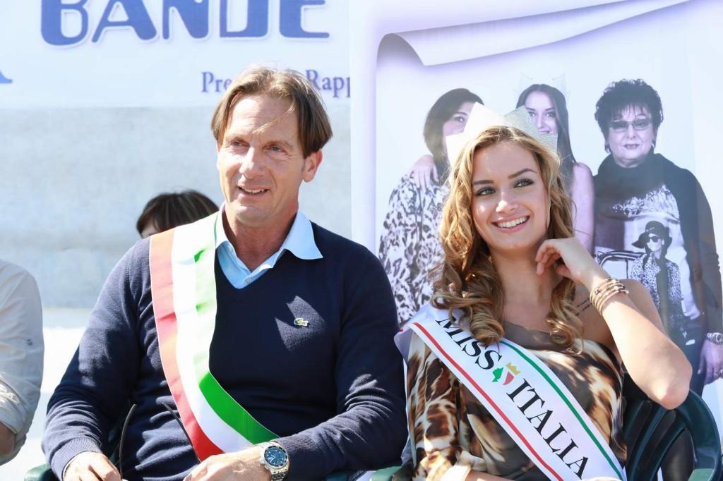 Il sindaco e Giulia Arena, Miss Italia