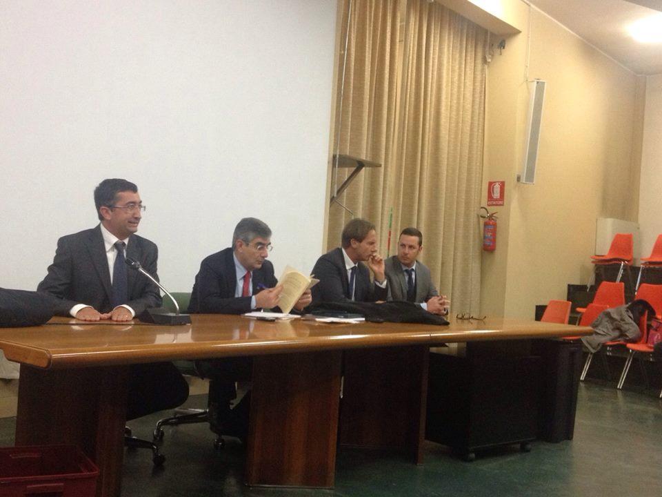 Il sindaco Mastromauro con alla destra il presidente Ragni (1)