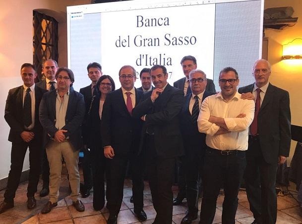 Il Cda della Banca del Gran Sasso con il Presidente Giulio Sottanelli e il direttore Lamberto Di Pietro