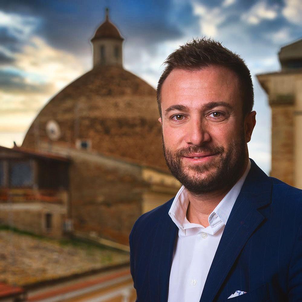Giulianova. Il Sindaco Jwan Costantini esprime le congratulazioni personali e dell' Amministrazione comunale ai neo eletti Sindaci della Provincia di Teramo.