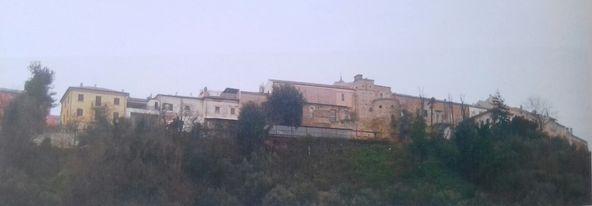 Giulianova. La cinta muraria: da struttura difensiva a mura ad tenimen.