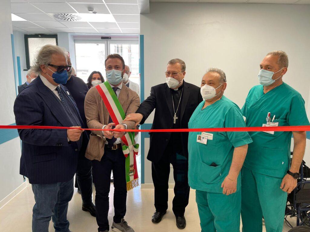 """Giulianova. Inaugurazione Centro salute mentale e Obi Covid al pronto soccorso.  Soddisfatto il sindaco Costantini: """"per il nostro ospedale fondi, apparecchiature e nuovi medici"""""""