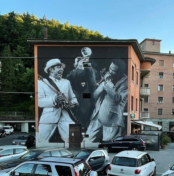Giulianova, Edoardo Ettorre conquista Porretta (Sweet Art) con un murales di 12 metri
