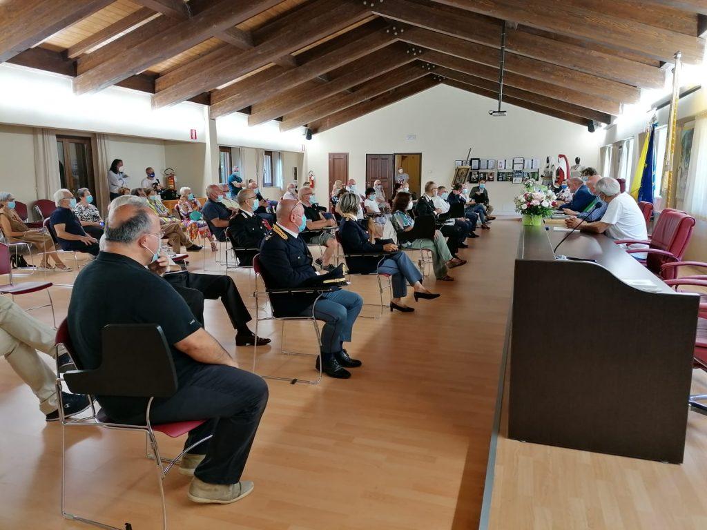 Emozionante cerimonia a Fano Adriano per le due cittadinanze onorarie assegnate al magistrato-eroe Girolamo Minervini e allo storico Sandro Galantini.