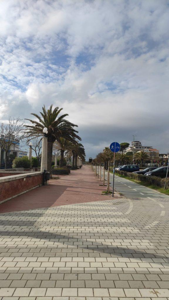 Giulianova. Al via da oggi i lavori di ampliamento della pista ciclabile sul lungomare monumentale e di manutenzione straordinaria del ponte sul Tordino.